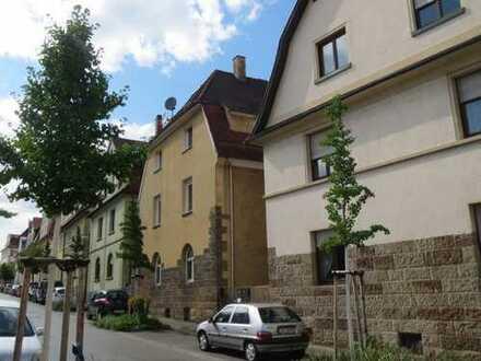 Helle, extravagante Dachwohnung über 2 Ebenen, geringe NK in 3-FH, mit EBK