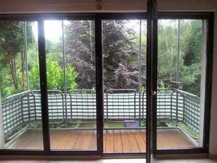Etagenwohung - 3-Zimmer, 3 Balkone, offener Kamin; Privat-Vermietung
