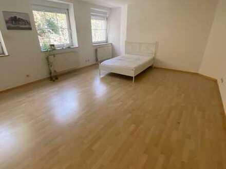 Helle 1-Zimmerwohnung mit ca. 38 qm ab 01.07.2021 bzw. ab sofort zu vermieten!!