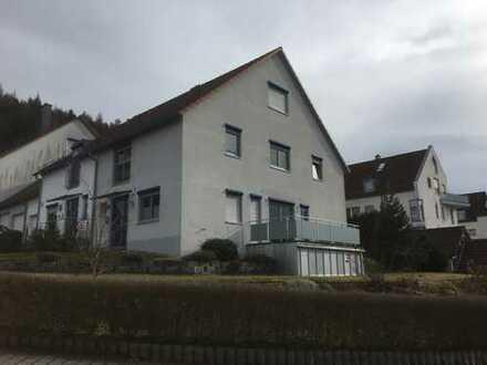 Schönes, geräumiges Doppelhaus mit vier Zimmern+Studio in Roth (Kreis), Greding