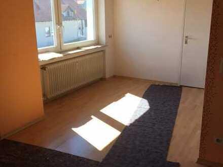 DG-Wohnung mit dreieinhalb Zimmern und Balkon in Herrenberg-Kuppingen