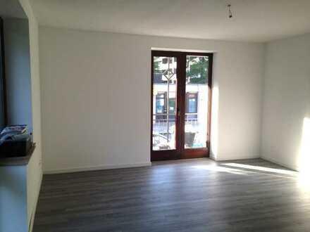 *** schöne 1-Zimmer-Wohnung mit Balkon ***