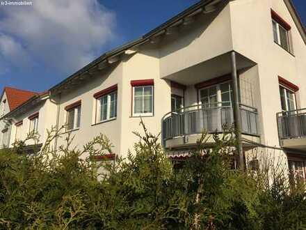 Wunderschöne 3 ZKB mit 2 Balkonen und Garten