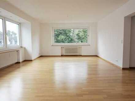 Sanierte 6 Zimmer Dachgeschoss Maisonette in Düsseldorf Oberkassel!