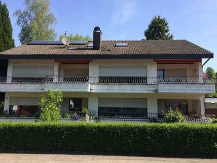 Große 5-Zimmer-Wohnung mit Balkon und Einbauküche in Hohentengen
