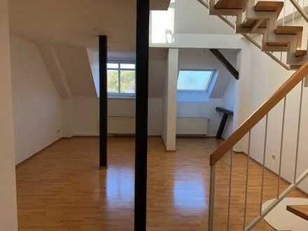 3-Raum-Maisonette-Dachgeschoßwohnung mit Einbauküche!