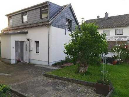 Gepflegtes kleines 2-Zimmer-Einfamilienhaus mit Einbauküche in Weilerswist