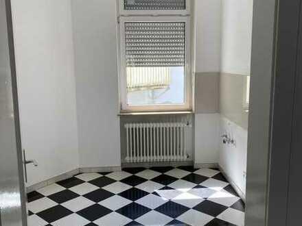 Vollständig renovierte 3-Zimmer-Wohnung mit Balkon in Worms