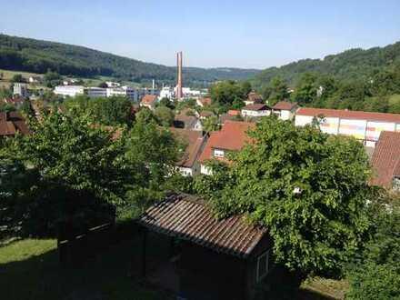 Maisonette-Wohnung 6 Zimmer 125 m²-Balkon-Topaussicht - Garten - Carport-Stellplatz!