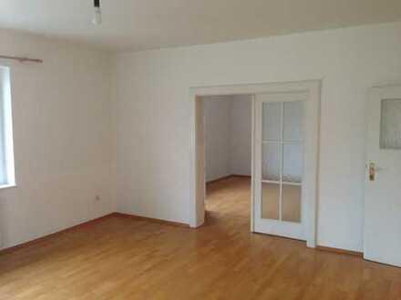 2.000 €, 100 m², 3 Room(s)
