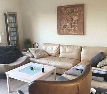Schöne Doppelhaushälfte mit vier Zimmern in Friesland (Kreis), Varel