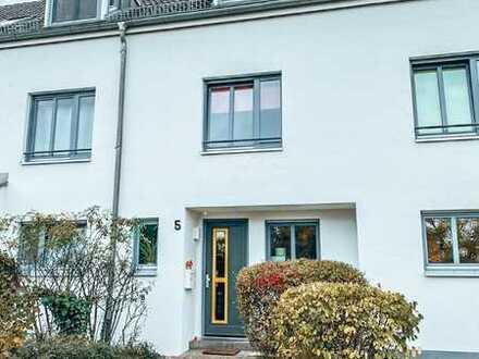 """Stilvolle, gepflegte 4-Zimmer """"Haus im Haus"""" mit Garten in Bergholz Rehbrücke"""