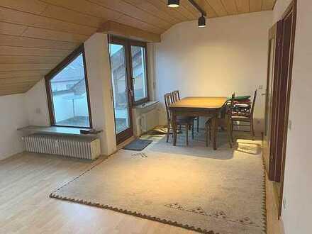 Schnuckelige + sonnige Wohnung mit Südbalkon + beheizbarem Hobbyraum