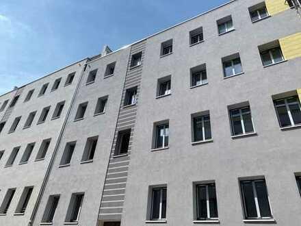Erstbezug nach Sanierung, Maisonettewohnung Klimaanlage, Balkon, Dachterrasse u.v.m.!