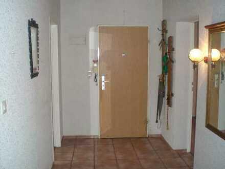 Stilvolle, 3-Zimmer-Erdgeschosswohnung mit Balkon in Bremen
