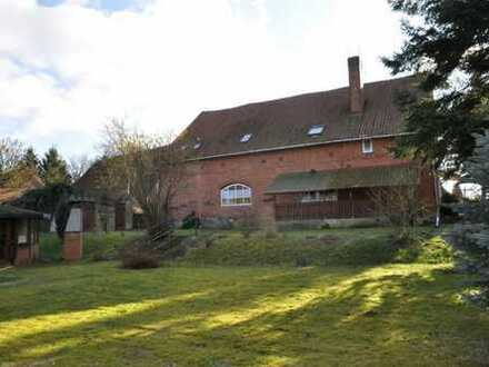 Einfamilienhaus mit Geschichte, Einliegerwohnung und großem Garten sucht neuen Eigentümer!