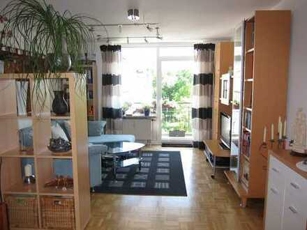 Schöne, sehr helle 3-Zimmer-Wohnung mit Süd-Balkon - 80qm * von privat * 5-Min zur U-Bahn
