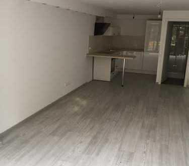 Erstbezug nach Sanierung: attraktive 1-Zimmer-Wohnung in Bergheim-Glessen