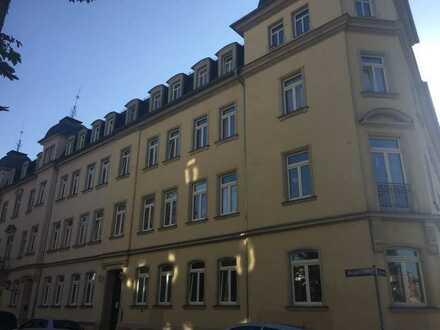 Schöne 2 Raum Wohnung mit Balkon in Striesen!