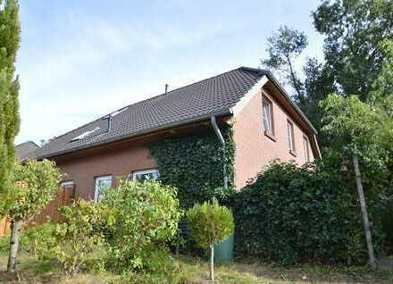 Attraktive Doppelhaushälfte mit Blick ins Grüne!
