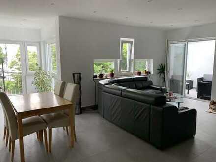 Moderne Wohnung im I.OG eines 4 FH in sehr schöner Lage von Bad Homburg!