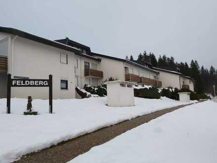 Gepflegte Maisonette-Wohnung mit zwei Zimmern sowie Balkon und EBK in Schönwald im Schwarzwald