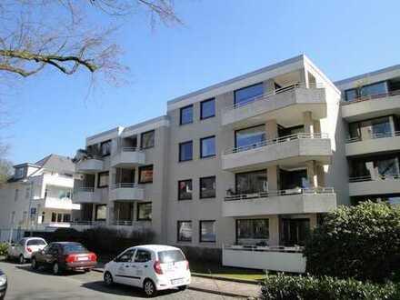 Wohnen gegenüber vom Eversten-Holz! Großzügige 4-Zimmer-Wohnung mit 2 Balkonen und EBK!