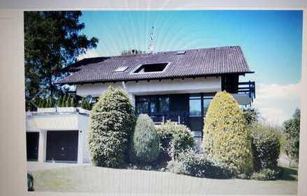 Vollständig renovierte Dachgeschosswohnung mit 15 qm Plus