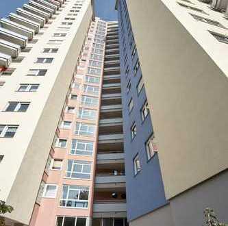 Panoramablick! Sehr schöne, helle 4 Zi-Whg. (ca. 80 qm) mit Balkon und Garage!