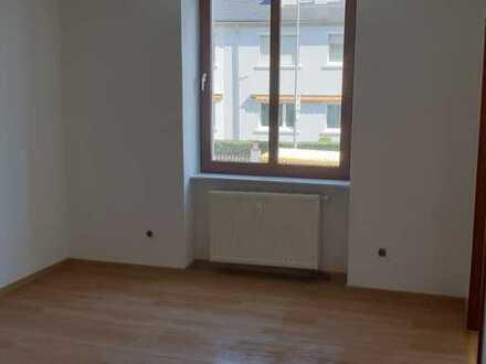 Sanierte 2-Zimmer-EG-Wohnung mit Balkon in Boppard