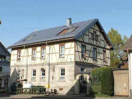 Hochwertig saniertes Fachwerkhaus mit Gewerbe und Wohnen
