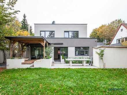 Neubau mit viel Licht und Flair! Großzügiges Einfamilienhaus plus Studio und Garten. In Köln.