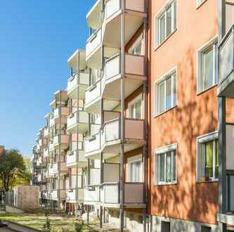 Bezugsfertig - 3-Raumwohnung mit Balkon und Einbauküche