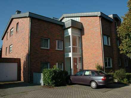 Gepflegte Wohnung mit drei Zimmern und Einbauküche in Mönchengladbach