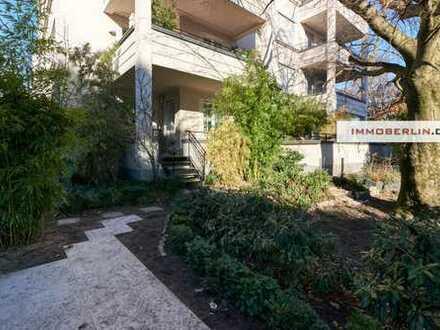 IMMOBERLIN: Toplage! Exquisite Wohnung mit großer Südterrasse & Garten