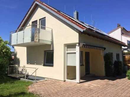 Freistehendes Einfamilienhaus, 230 qm Wohn-/Nutzfläche, bezugsfertig zum 01.10.2021, von Privat