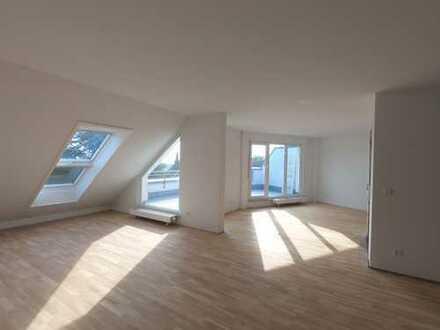 Lichtdurchflutete 3-Zimmer-Dachgeschosswohnung mit großer Dachterasse und toller Weitsicht