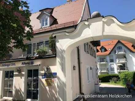 Zentral gelegene 3 Büro- oder Praxisräume mit herrlicher Dachterrasse!