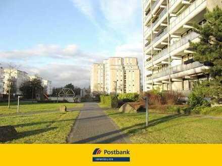 Bezugsfreie 3-Zimmer-Wohnung in Köln-Junkersdorf mit großem Sonnenbalkon + TG Stellplatz