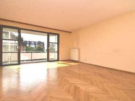 Gepflegte Eigentumswohnung mit sonnigem Balkon in zentraler Lage von Poppenbüttel...