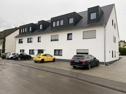 *** Schicke und hochwertig ausgestattete, barrierefrei EG-Wohnung + Terrasse + 2 Stellplätze ***