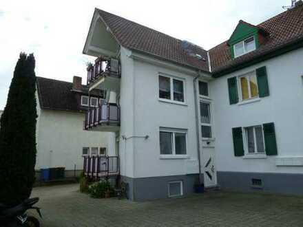 Helle 3 Zimmer-Wohnung mit attraktivem Grundriss in kleiner WE in zentraler doch ruhiger Lage