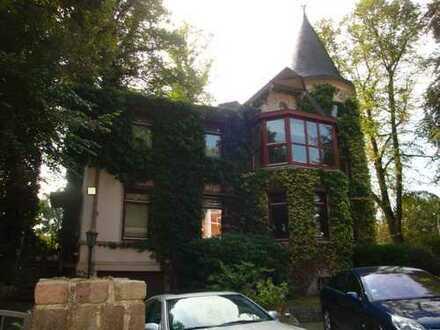 *Bahrenfeld*, charmante Villa mit Turm, Wohnfl. ca. 230 m², 8 Zimmer, Grundstück 986 m²