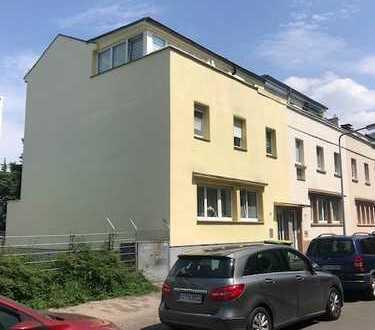 Sehr gepflegtes -3- Familienhaus in urbanem Umfeld mit Gartennutzung