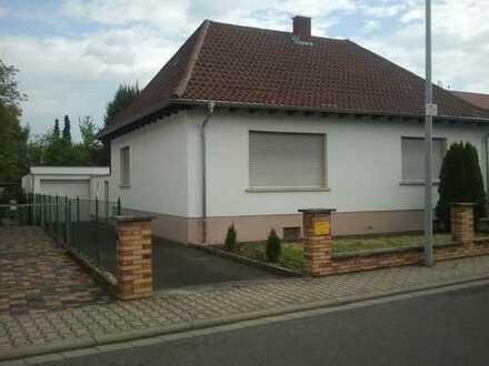 Schönes, geräumiges Haus mit drei Zimmern in Worms, Vorort.