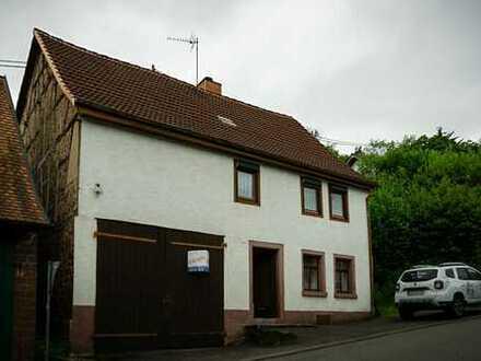 Renovierungsbedürftiges, Handwerker-Einfamilienhaus mit Gartenanlage und Scheune
