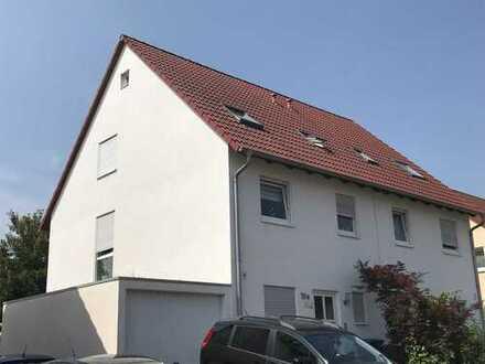 Schöne Doppelhaushälfte in Kaiserslautern / Unigebiet mit ca. 127 m² Wohnfläche und 270 m² Areal