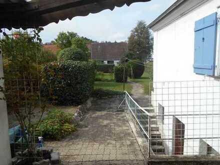 DHH in ruhiger, zentraler Wohnlage in Biberach-Galgenberg mit sehr schönem Garten sucht Liebhaber