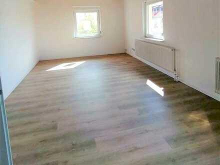 Günstige, vollständig renovierte 5,5 Zimmer-Wohnung mit Balkon in Hammelburg