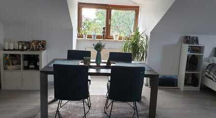 Drei Zimmer Wohnung in Großkarolinenfeld mit großem Westbalkon